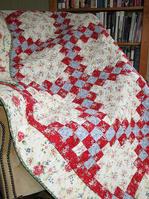 Irish Double Chain Quilt Pattern Free : 101 Best images about Quilts - Irish Chain on Pinterest Antique quilts, Quilt and Feed sacks