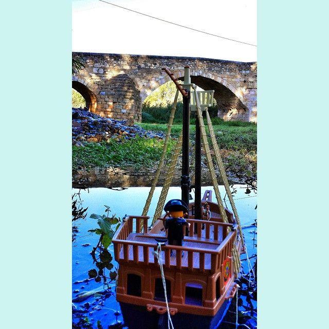fins i tot els vaixell pirates no es volen perdre l'edició de #clickània2014 #pontvell #Montblanc #montblancmedieval #concadebarbera #Catalunya #worldcaptures #europe_catalonia #europe_gallery #elmeupetit_pais #descobreixcatalunya #comparteixocatalunya #ruralgallery #love_cat #love_village #love_catalunya #gaudeix_cat #clikcat #clicks #juguetes #juguets #toys #playmobil
