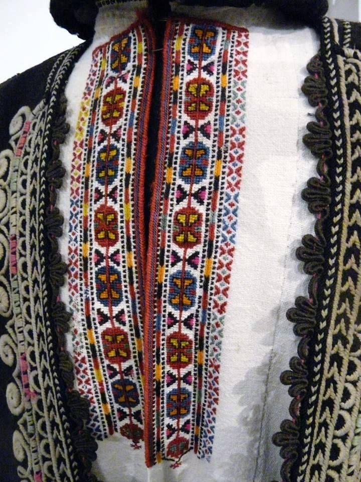 Мъжка народна носия от Софийско - детайл / A male traditional attire from Sofia district - ditail Експонат на Музея на София