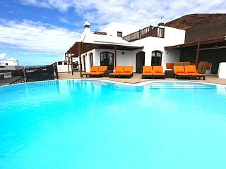 Fabulous+Property+In+Beautiful+Location+With+Awesome+Sea+Views+++Holiday Rental in Playa Blanca from @HomeAwayUK #holiday #rental #travel #homeaway