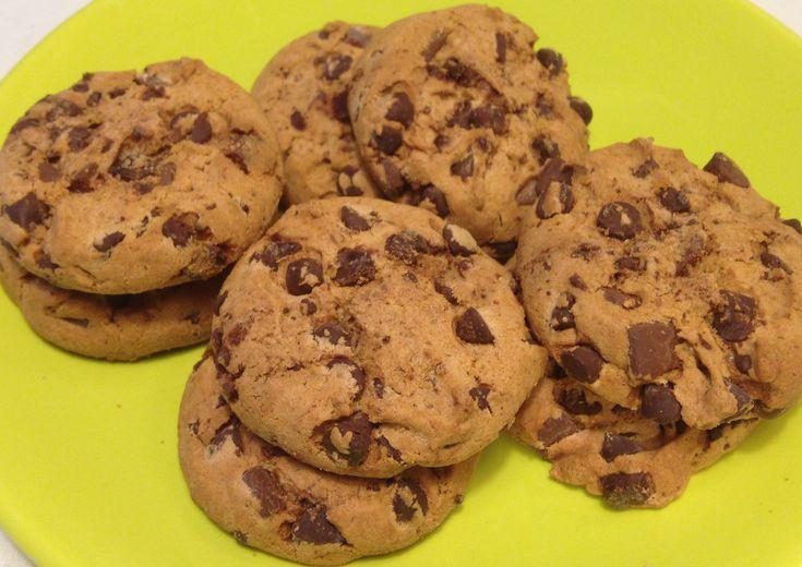 Cookies al burro di arachidi e gocce di cioccolato: ibiscottiche…