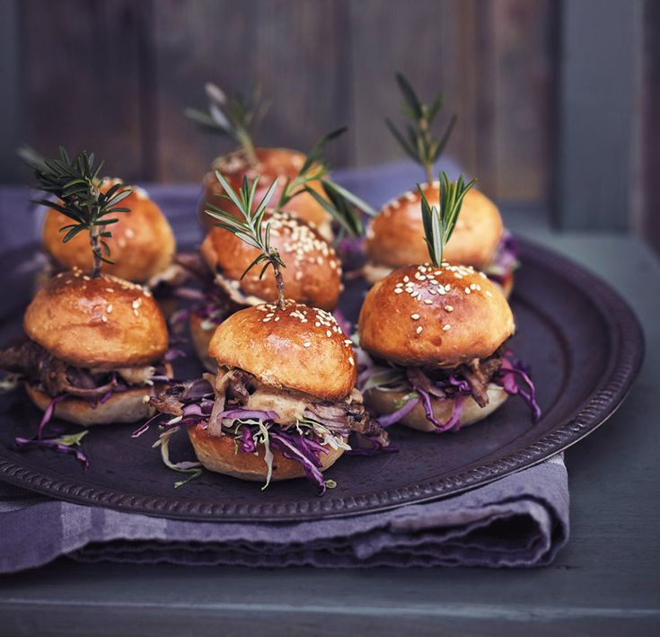 Duck burgers with brown butter-mayonnaise - rooi rose