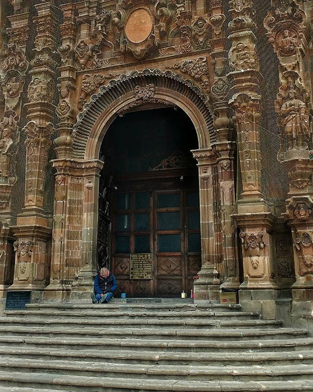 #doloreshidalgo #Mexico #guanajuato #architecture #travel #traveling #visiting #instatravel #instago #building #old #religion #mexicomagico #visitmexico #church #ancient #tourism #city #stone #religious #arch #tower #culture #tourist #temple #religiousarchitecture