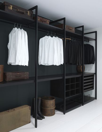 Storage Walk-in Closet | Porro. Check it on Architonic