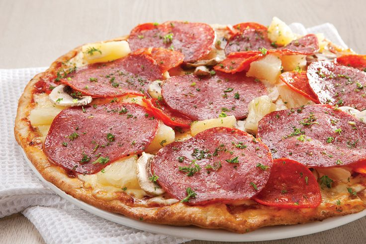 Classic - Santa Fe. Spicy Italian sausage, salami, mushrooms and pineapple | Panarottis http://www.panarottis.co.za/ourmenu/pizza