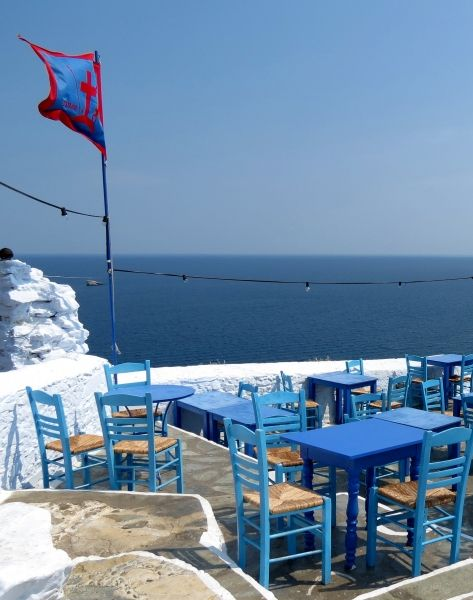 Tavern tables in Skopelos Town