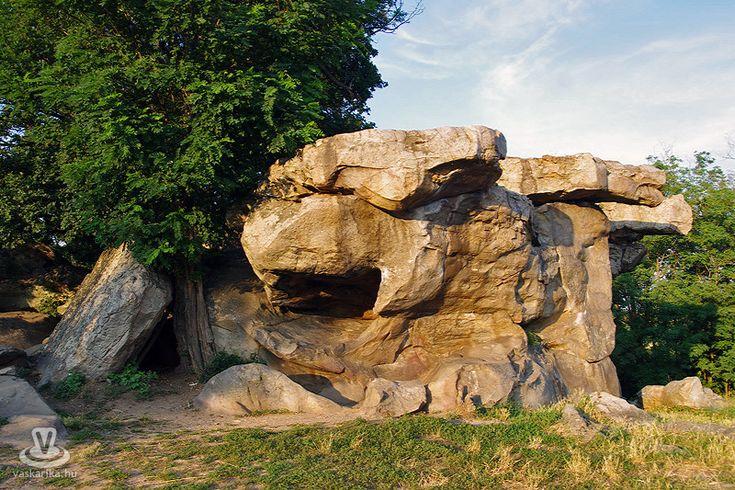 Balaton-felvidéki - A szentbékkállai kőtenger
