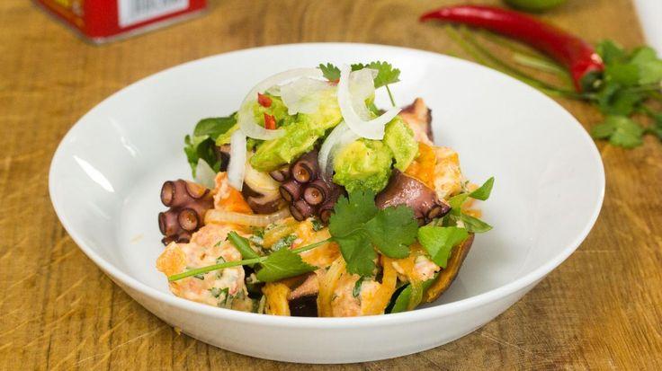 Lauwe salade van inktvis en zoete aardappel | VTM Koken