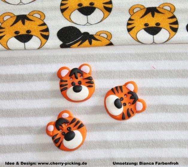 3 zuckersüsse Tiger Karl Zierknöpfe zum pimpen eurer genähten Werke nach dem tollen Design von Cherry-Picking ♥ ♥ ♥  Die Knöpfe sind aus Polymer Clay in liebevoller Handarbeit hergestellt. Jeder...