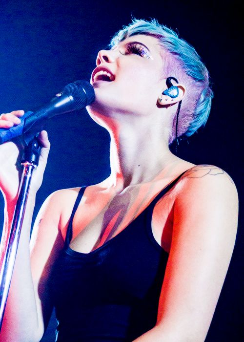 Good hairstyles for a band concert : Best 25 Halsey concert ideas on Pinterest album