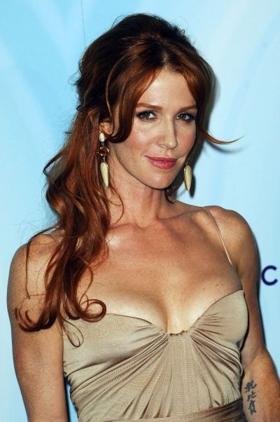 Poppy-Montgomery-half-up-curly-hairstyle-1.jpg (400×602)