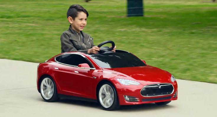 Fabricante de carros elétricos vai produzir réplica de modelo existente em miniatura, para crianças.