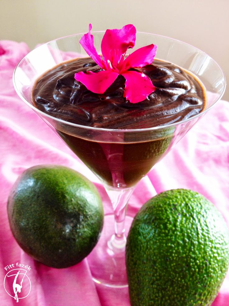 Raw avocado chocolate pudding. Avokádó csoki puding