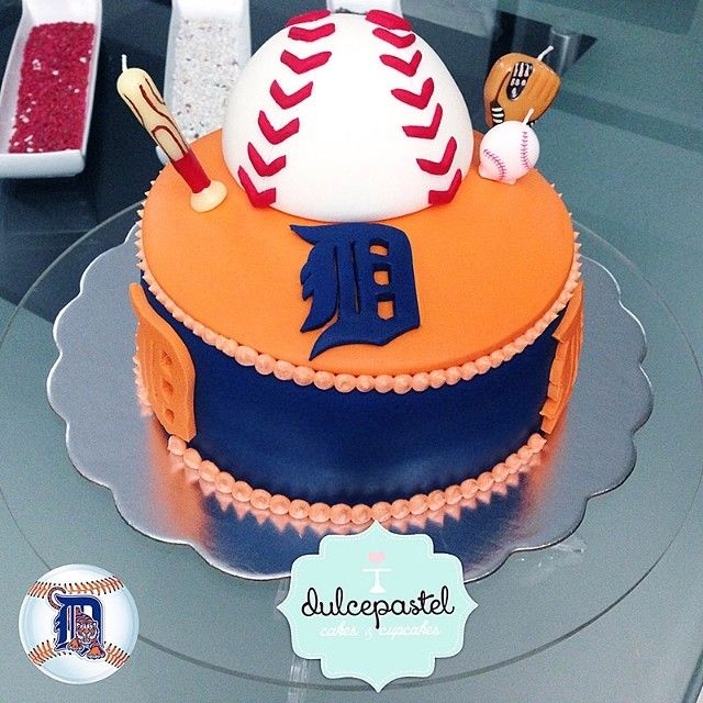 Cake Detroit Tigers ⚾️⚾️⚾️ #beisbol #juego #bate #pelota #equipo #ball #bat #Homerun #jonron #miguelcabrera #orgullovenezolano #detroit #tigers ⚾️⚾️⚾️⚾️#baseball #game #cakedecorating #tortasenvigado #tortasmedellin #cupcakesenvigado #cupcakesmedellin http://dulcepastel.com