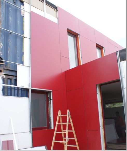 SCH with concrete insulating tiles