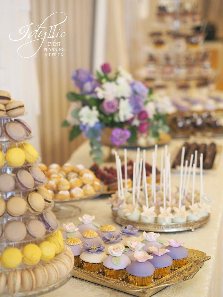 wedding sweet buffet in gold and shades of purple / purple wedding candy bar / candy bar nunta Bucuresti Romania by Idyllic Events