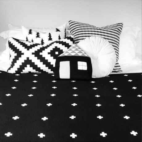 Cross Blanket Black Large