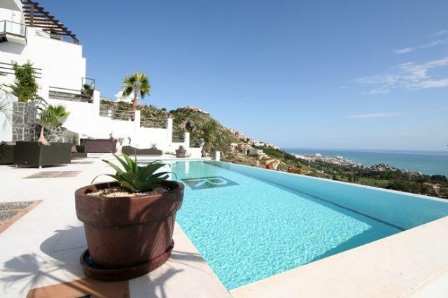 Fantastic Villa with Stunnning Sea Views in Benalmadena