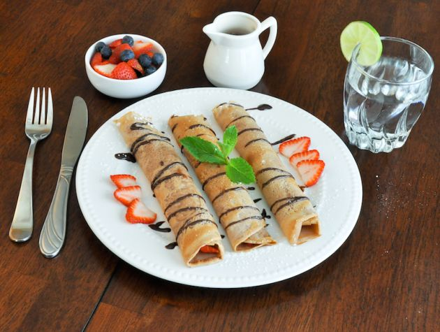 Chocolate Crepes With Fresh Strawberries | food | Pinterest