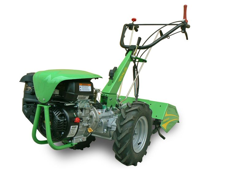 #walkingtractor #casorzo  Golf  4-speed gearbox (3 forward + 1 reverse in TILLER and MOWER position ) using inverter-gearbox  Variable track wheel hubs  - Independent power takeoff With engine Honda GX 200 HP6,5 Gasoline Wheels 4.00x8 adjustable discs #Tiller cm 60 (adjustable) www.casorzo.net