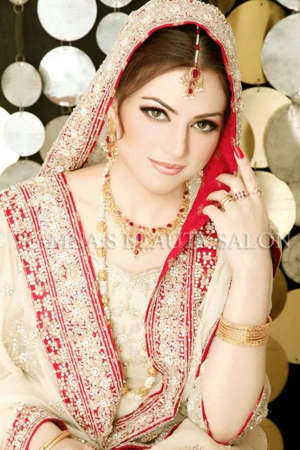 88 best images about soft look bridal makeup on pinterest for Aaina beauty salon parlin