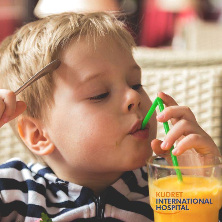 Çocuklarda aşırı meyve suyu tüketimi obezite riskini artırmaktadır.  #kudretinternational #ankara #turkey #turkiye #hastane #hospital #sağlık #health #healthy #hospital