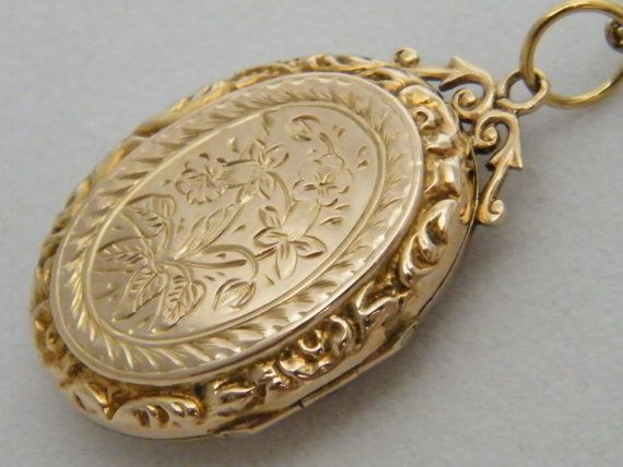 Circa 1901 9K Vintage Antique Gold Locket Edwardian Victorian 9ct Gold Locket Necklace Engraved Floral Motif Oval Gold Photo Locket Necklace