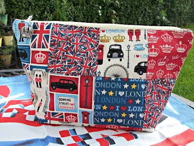 Kandipandi's Pad: All Things British Swap - Cute London bag!