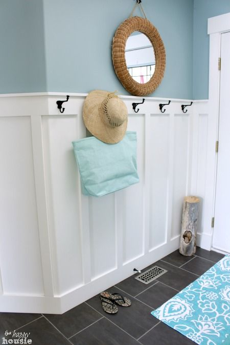 Beachy Style Summer Lake House Tour at The Happy Housie entry hall 3