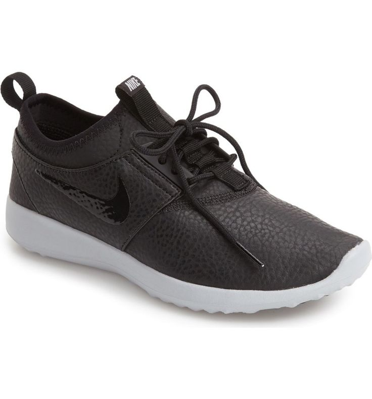 Loving these trendy Nike sneakers in black and white!