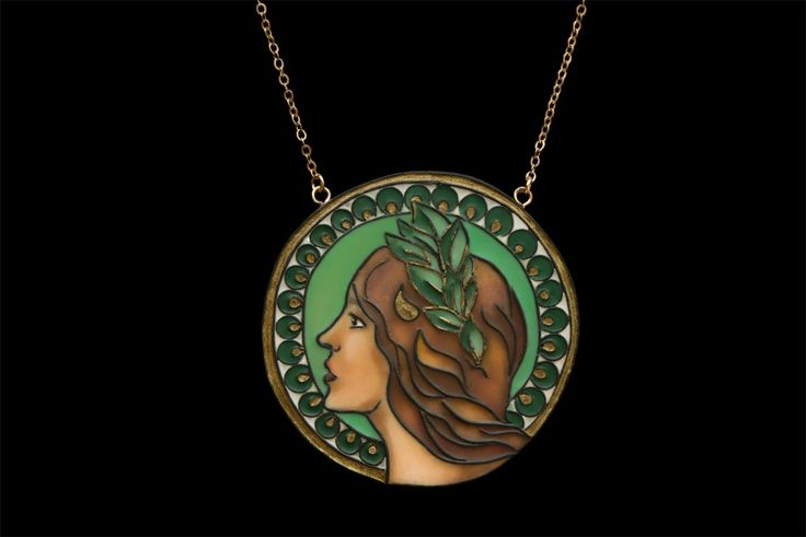 Polymer clay pendant devotes to Alfons Mucha creation. Main materials: polymer clay, pigments, etc. Size: 4,8 cm. x 4,8 cm.