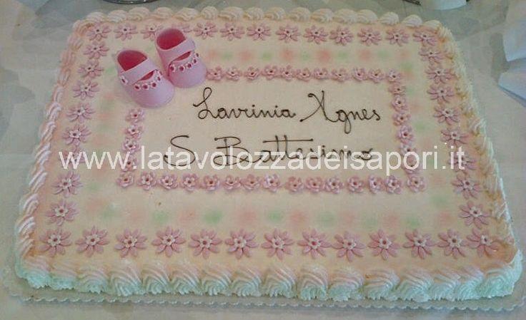 Torta con Scarpe in Pasta di Zucchero    http://www.latavolozzadeisapori.it/ricette/torta-gelato-con-scarpe-in-pasta-di-zuccherro/