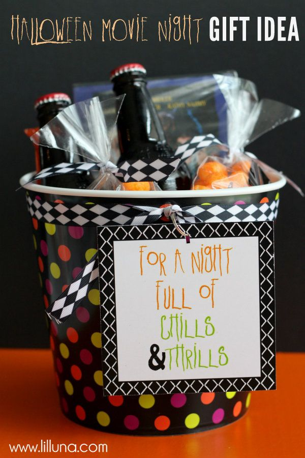 DIY:: Adorable Halloween Movie Night Gift - perfect for date night ! With Free Printables