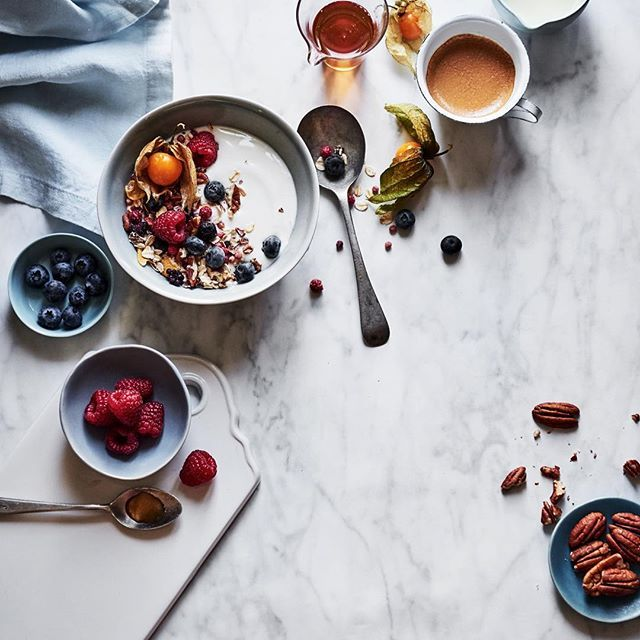 "good morning and welcome to the first day if Alpros&sisterMAGs ""HAPPY challenge""! hope you're ready for two weeks of healthy recipes and great yoga videos! recipe&styling by @ooodre / for @sister_mag and @alpro"