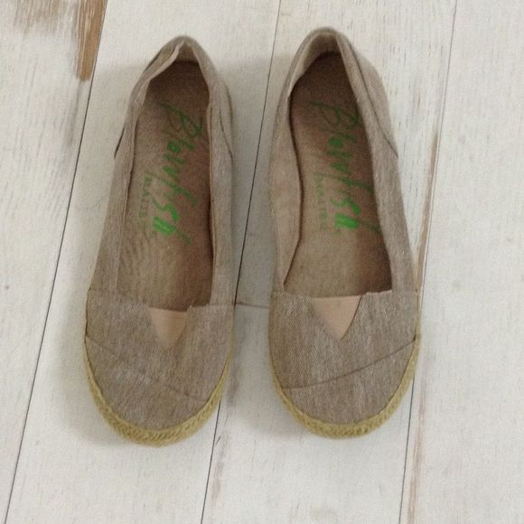 Blowfish shoes Brand new Blowfish Shoes Flats & Loafers