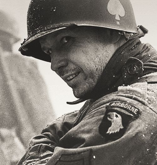 Carwood Lipton (Donnie Wahlberg - Band of Brothers)