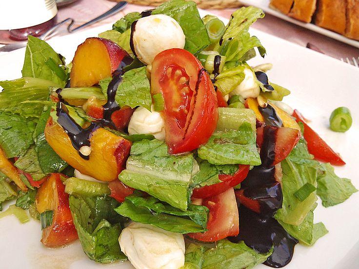 Bunter Blattsalat mit Pfirsichen, ein sehr leckeres Rezept aus der Kategorie Party. Bewertungen: 6. Durchschnitt: Ø 4,1.