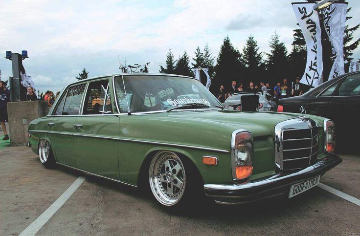 1972 mercedes 230 Godfather W114 Bagged benz