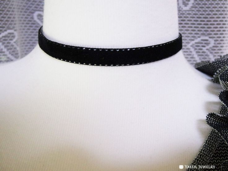 Black Velvet Choker Necklace, High Quality Velvet Necklace by YaesilJewelry on…