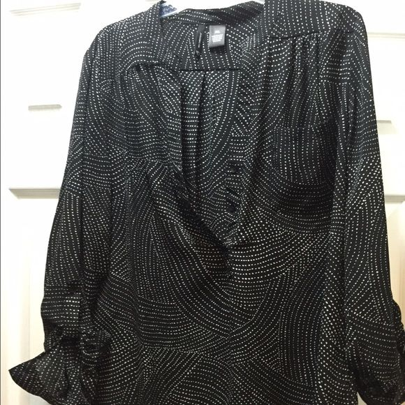 Flowing blouse Black & white flow blouse new directions Tops Blouses