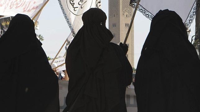 Cómo ser una buena esposa para un yihadista, según el Estado Islámico