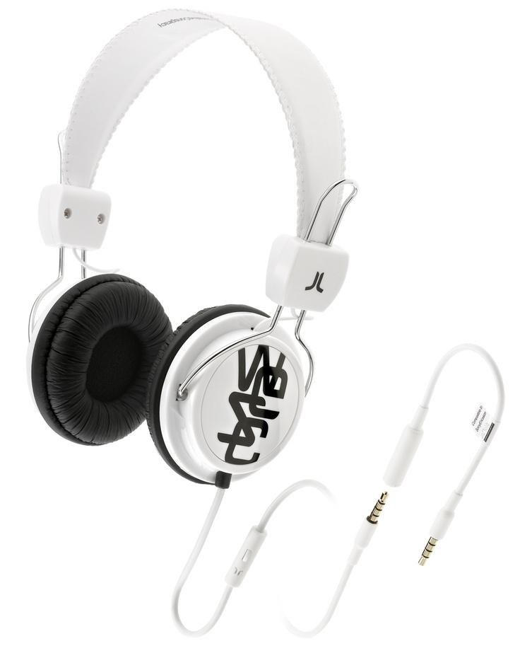 Cuffie per musica con prolunga per allungare il cavo e microfono per rispondere al telefono.  Driver di potenza 40 mm Sensibilità 1kHz: 120 dB Impedance: 32 Ohms Gamma difrequenza: 20-20 001 Hz Plug: gold-plated 3,5mm stereo Cavo: 0,5m + 1,0m extension + 0,1m adaptor, PVC Peso: 147g.    Prezzo: 45.00€    SHOP ONLINE: http://www.aw-lab.com/shop/accessori/cuffie/wesc-conga-premium-headphones-9901053