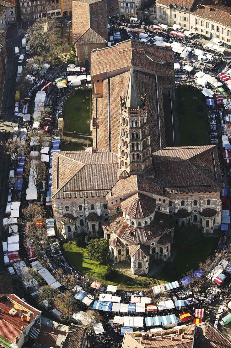 Basilique Saint-Sernin - Toulouse (Haute-Garonne) et si vous optiez pour la location de voitures, vélos, parkings, appareils photo ... entre Toulousains grâce à www.placedelaloc.com ?
