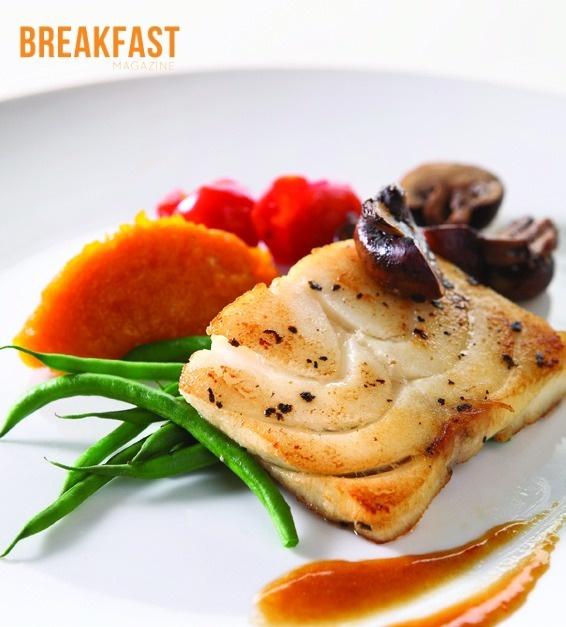 Grilled barramundi haricot verto and mashed potato with for Barramundi fish taste
