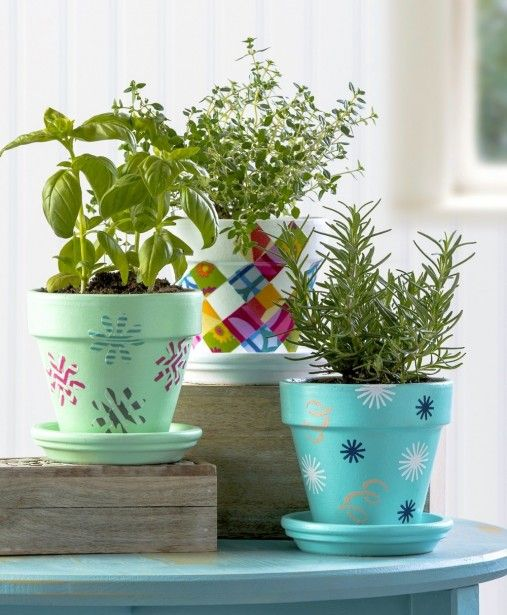How to decorate clay pots for an herb garden