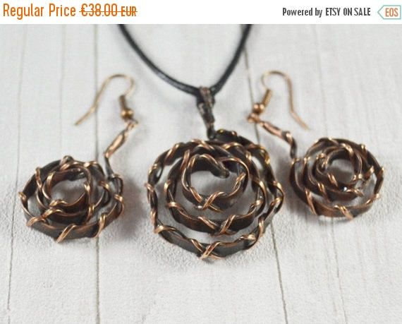 ON SALE Twisted roses Copper earrings necklace Set Jewellery