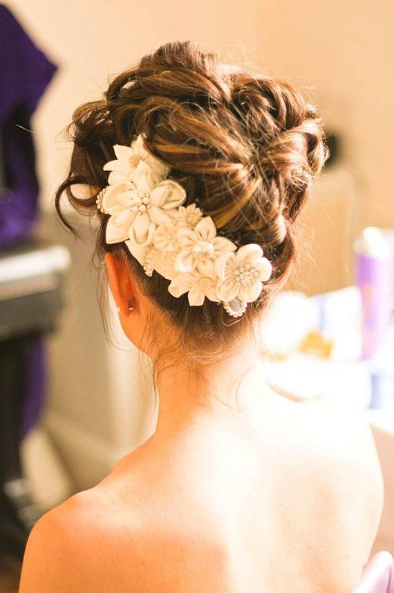 Ivory Kanzashi Flowers Side Comb Bridal / by CarolinesCombs, $90.00
