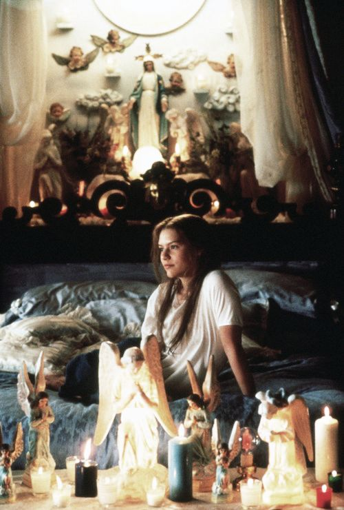 Juliet's bedroom, Romeo + Juliet directed by  Baz Luhrmann (1996). Set Decoration by  Brigitte Broch