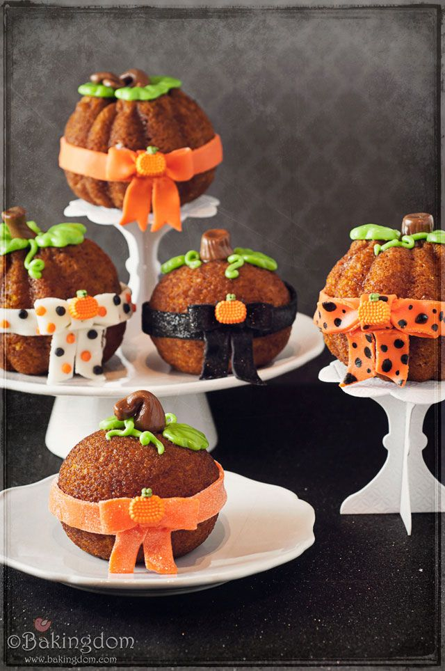 Bow Tied Pumpkin Spice Cakes