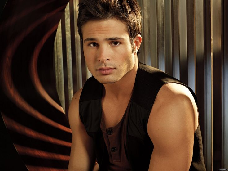 Cody Longo is smoken HOTT!!!:]